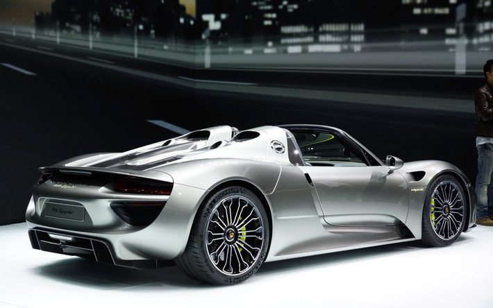 """The 918 Spyder embodies the essence of the Porsche idea."" A unique combination of performance and efficiency: Porsche 918 Spyder A unique combination of performance and efficiency: Porsche 918 Spyder 12   12"