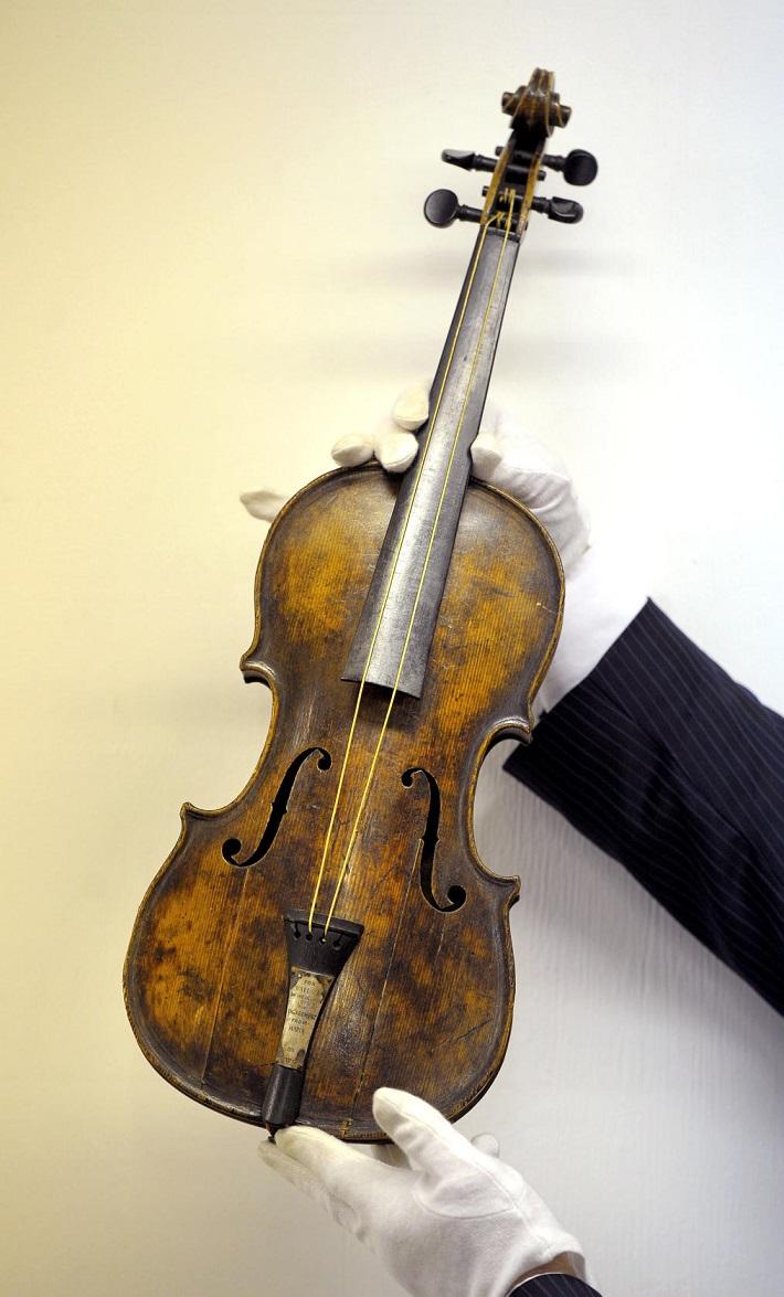 Unique pieces titanic violin sold for a world record Vibeline