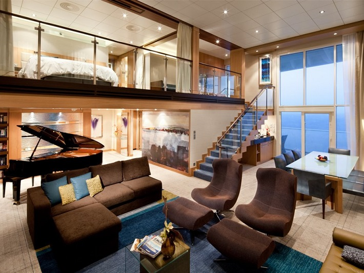 """""""The world's most luxurious cruises - oasis interior"""" Luxury experiences: The World's Most Luxurious Cruises Luxury experiences: The World's Most Luxurious Cruises oasisss"""