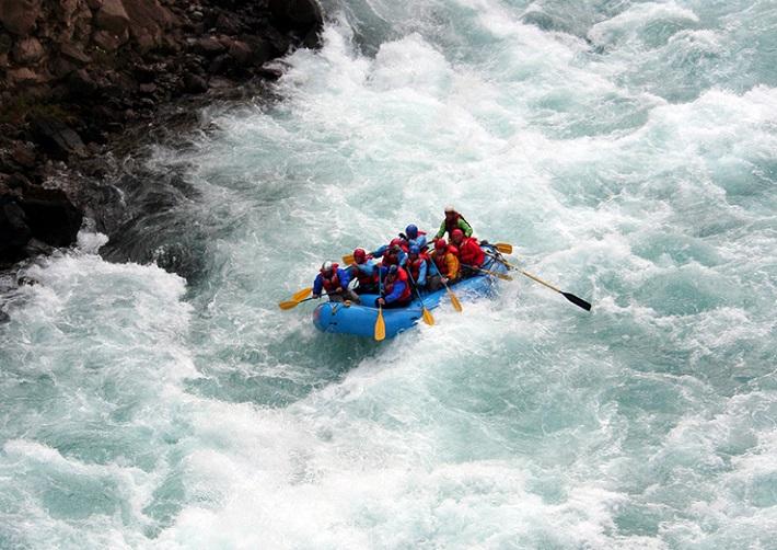 river-rafting3 Bespoke luxury travel: tailor-made travel experiences Bespoke luxury travel: tailor-made travel experiences river rafting3