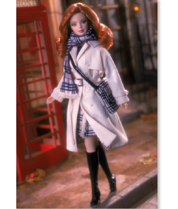 5barbie-collector-fashion-collaborations-mattel-burberry