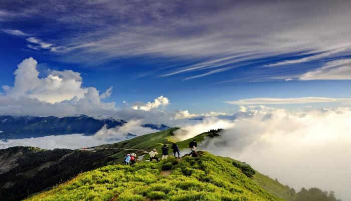 Best Places to Travel in 2015 Best Places to Travel in 2015 Best Places to Travel in 2015 mountain hehuan taiwan wallpaper1366x76866441