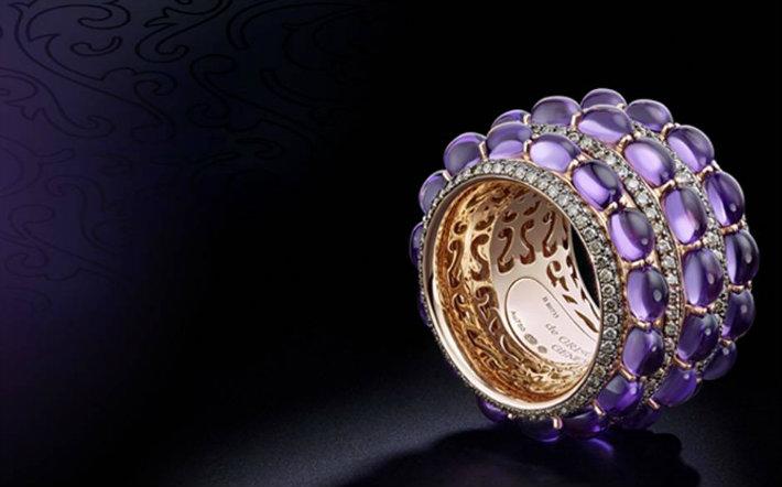 Valentine's Day Gift Ideas: The Finest Purple Pieces
