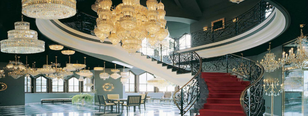 luxury chandeliers for an exclusive home style top designers