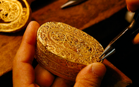 filigree-mirror-limited-edition-design-jewelry-making-techniques (15)