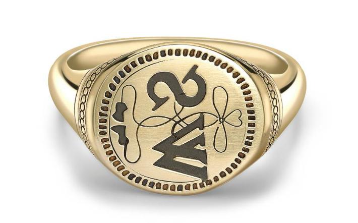 George Pragnell Recreates Shakespeare's Jewelry Signet George Pragnell George Pragnell Recreates Shakespeare's Jewelry Signet 1 4