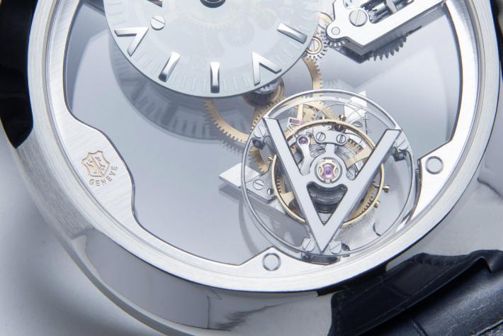 Louis Vuitton Louis Vuitton's New Poinçon de Genève Watch 5 C  pia