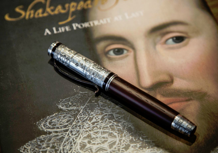 George Pragnell George Pragnell Recreates Shakespeare's Jewelry Signet 6 2