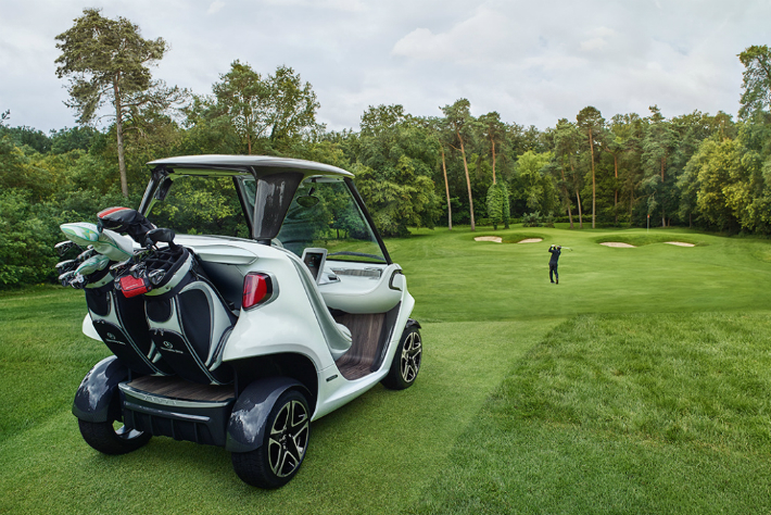 2 Mercedes-Benz Mercedes-Benz Releases the Most Luxurious Golf Cart on the World 2 6