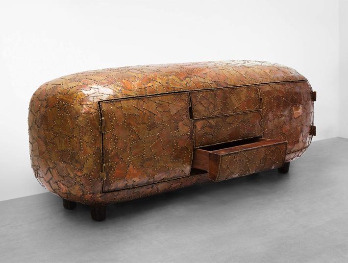 Maarten Baas Exhibits Shell Inspired Furniture Pieces in New York maarten baas Maarten Baas Exhibits Shell Inspired Furniture Pieces in New York 1 1