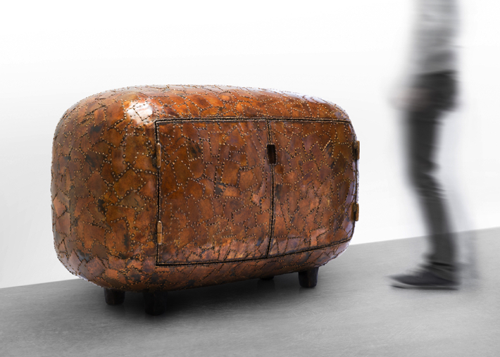 2 maarten baas Maarten Baas Exhibits Shell Inspired Furniture Pieces in New York 2 1