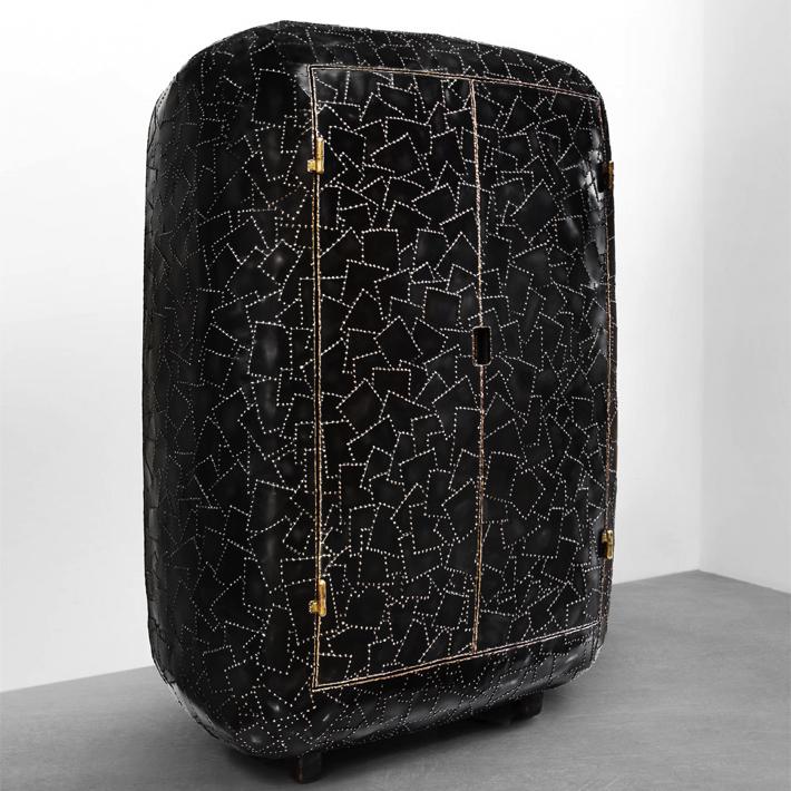 Maarten Baas Exhibits Shell Inspired Furniture Pieces in New York maarten baas Maarten Baas Exhibits Shell Inspired Furniture Pieces in New York 3 1
