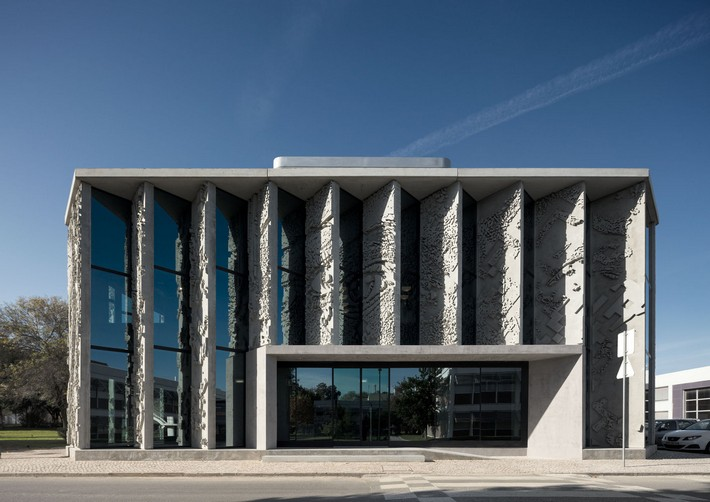 Magnificent Architecture: GS1 Portugal by PROMONTORIO architecture Magnificent Architecture: GS1 Portugal by PROMONTORIO Sneak Peak GS1 Portugal by PROMONTORIO 15