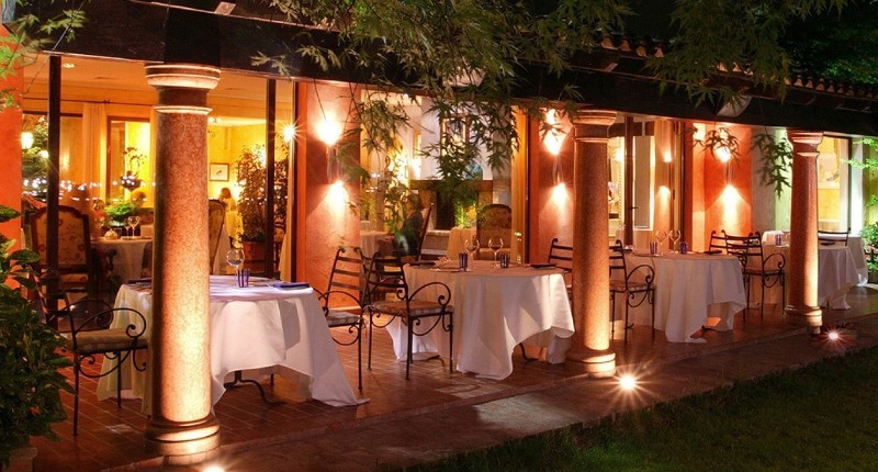 top restaurants Top Restaurants in Milan to Visit During Salone del Mobile ristorante dal pescatore nadia santini 1366x734