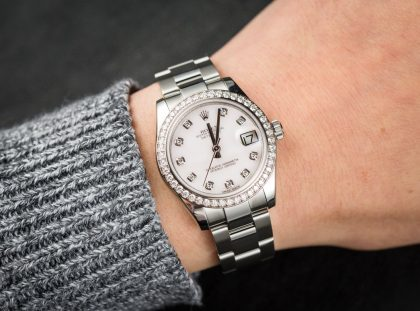 Top Feminine Luxury Watches at Baselworld 2018 baselworld 2018 Top Feminine Luxury Watches at Baselworld 2018 zw 113453w 1 420x311