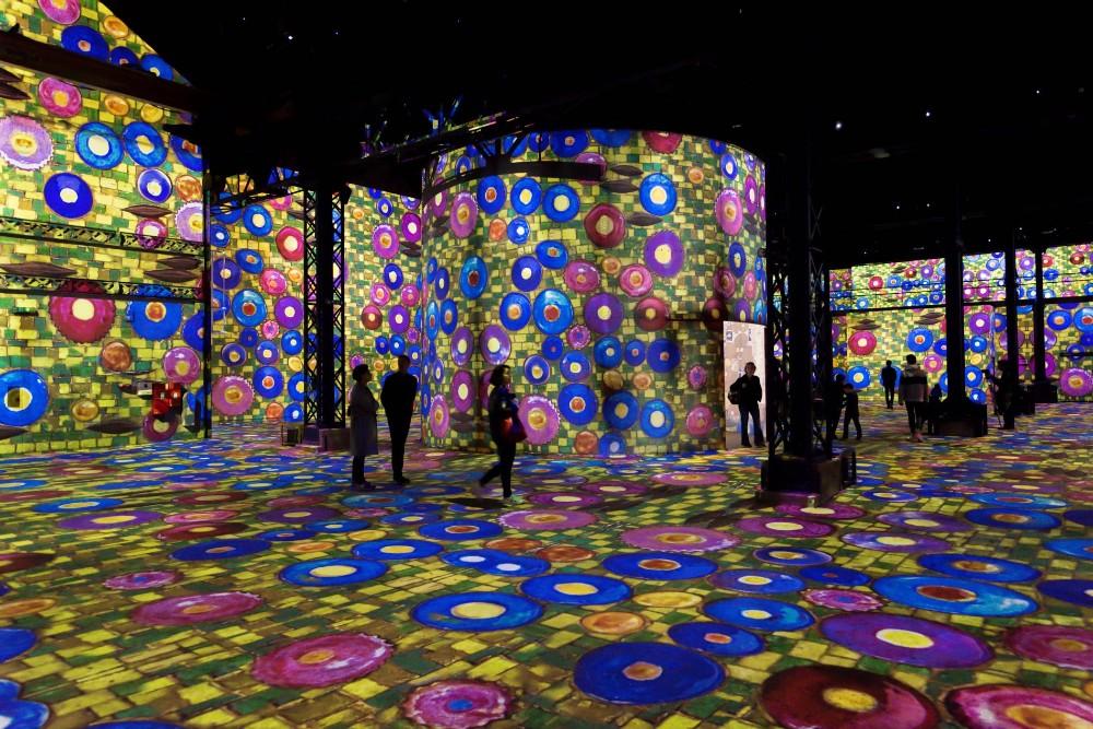 atelier des lumières Atelier des Lumières Marks Opening with Gustav Klimt Atelier des Lumi  res Marks Opening with Gustav Klimt 3