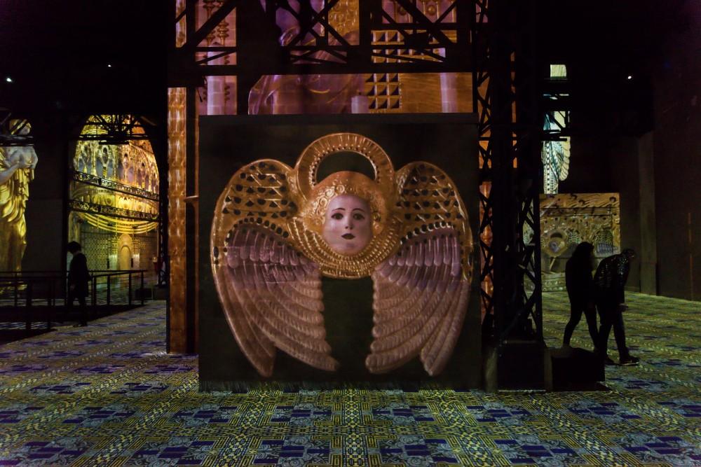 atelier des lumières Atelier des Lumières Marks Opening with Gustav Klimt Atelier des Lumi  res Marks Opening with Gustav Klimt 4