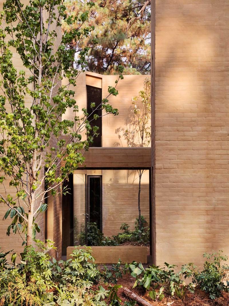 Mexican Architecture Mexican Architecture – Entre Pinos by Taller Hector Barroso s5 entre pinos valle de bravo mexico by taller hector barroso yatzer