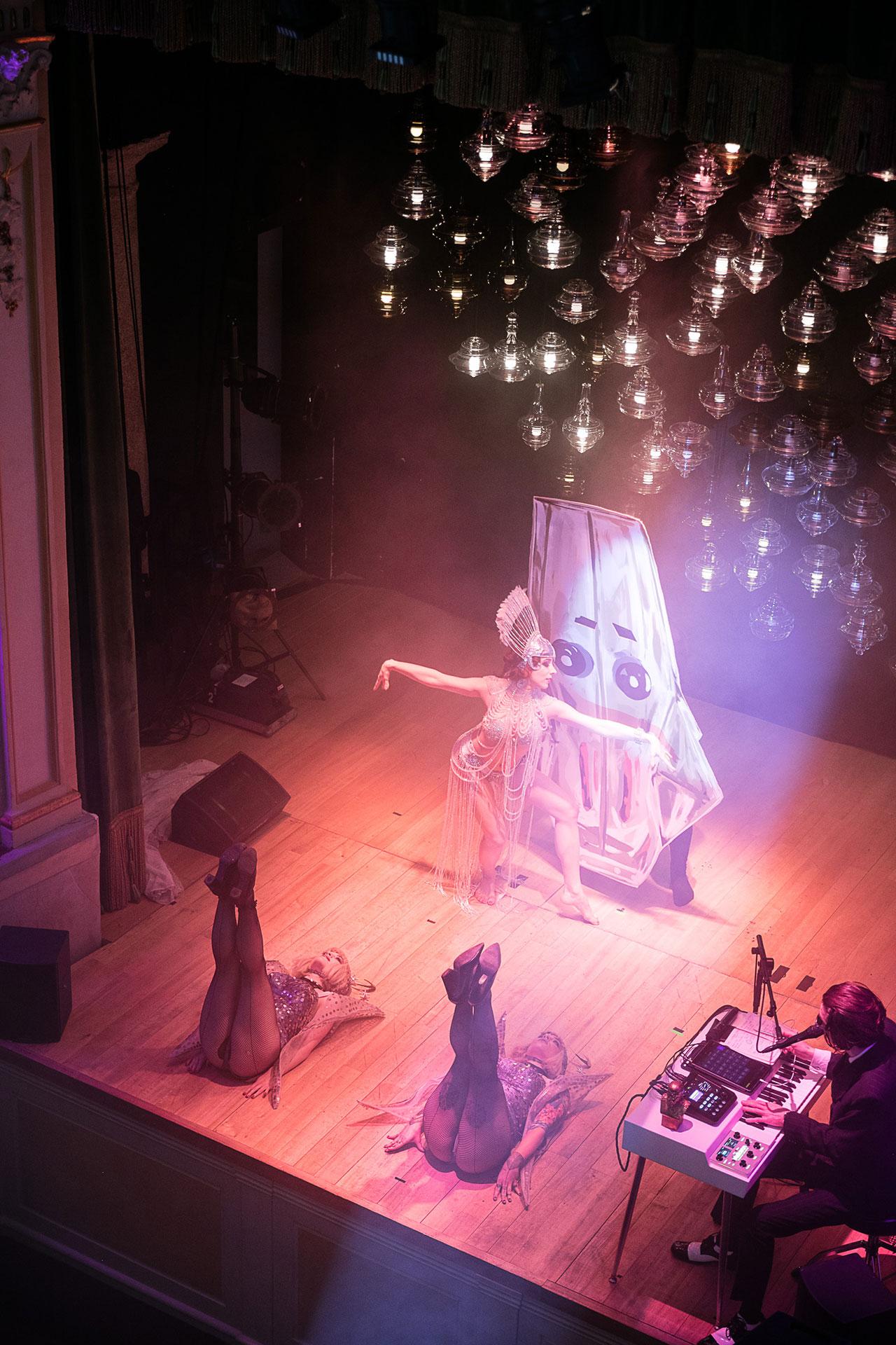 lasvit Monster Cabaret, A Phantasmagorical Show by Lasvit s5 lasvit monster cabaret milan teatro gerolamo yatzer