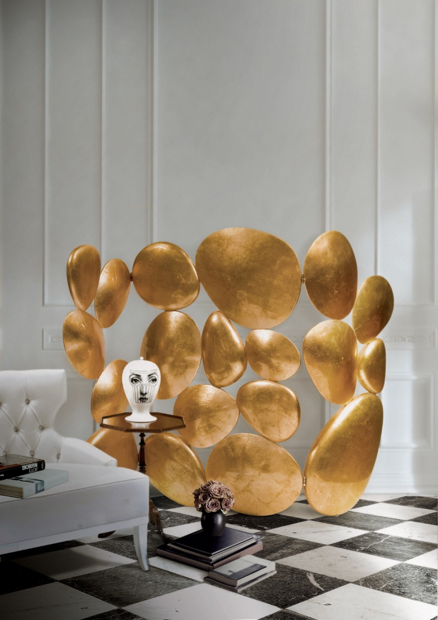 luxury furniture Luxury Furniture Behind The Scenes: The Leaf Gilding Technique GOLD FOLDING SCREEN by boca do lobo