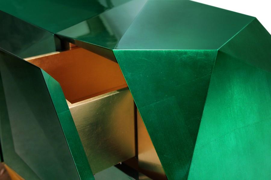 luxury furniture Luxury Furniture Behind The Scenes: The Leaf Gilding Technique diamond emerald 04