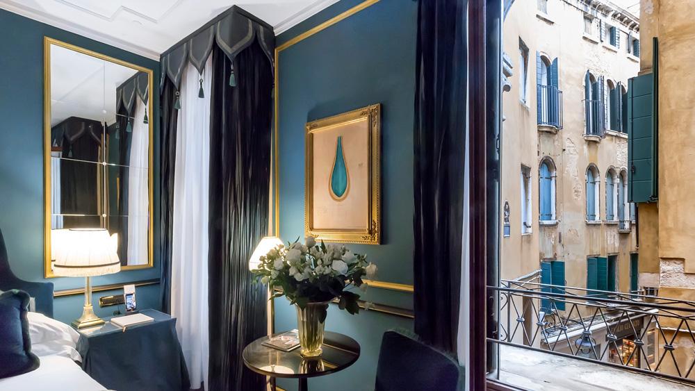 suites Top 6 Most Luxury Suites in Europe to Explore This Summer splendid venice ve splendid heritage suite 9