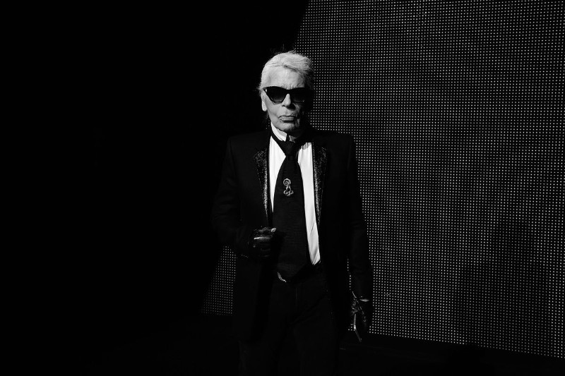 The iconic Chanel fashion designer Karl Lagerfeld dies karl lagerfeld The Iconic Chanel Fashion Designer Karl Lagerfeld Dies The iconic Chanel fashion designer Karl Lagerfeld dies 1