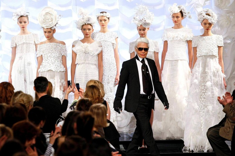 karl lagerfeld The Iconic Chanel Fashion Designer Karl Lagerfeld Dies The iconic Chanel fashion designer Karl Lagerfeld dies 10