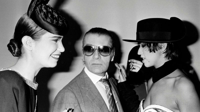 The iconic Chanel fashion designer Karl Lagerfeld dies karl lagerfeld The Iconic Chanel Fashion Designer Karl Lagerfeld Dies The iconic Chanel fashion designer Karl Lagerfeld dies 3