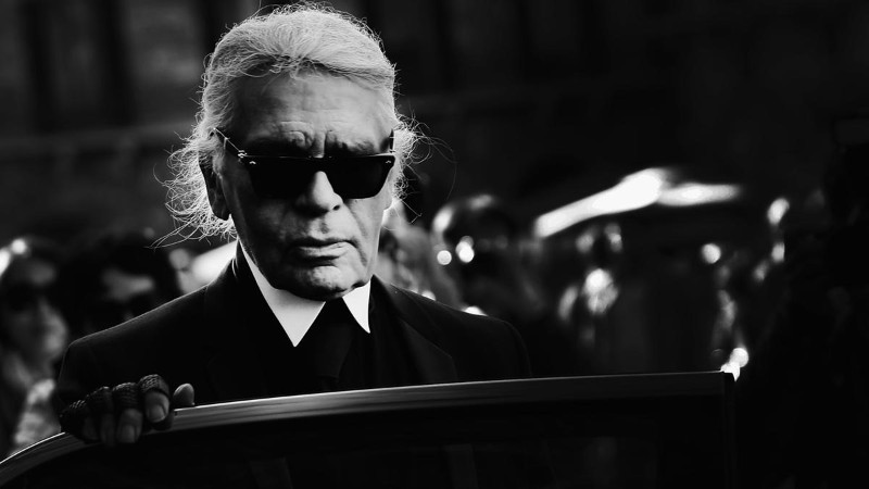 Karl Lagerfeld, the Man Who Defined Luxury Fashion, dies in Paris karl lagerfeld Karl Lagerfeld, The Man Who Defined Luxury Fashion, Dies in Paris The iconic Chanel fashion designer Karl Lagerfeld dies 4