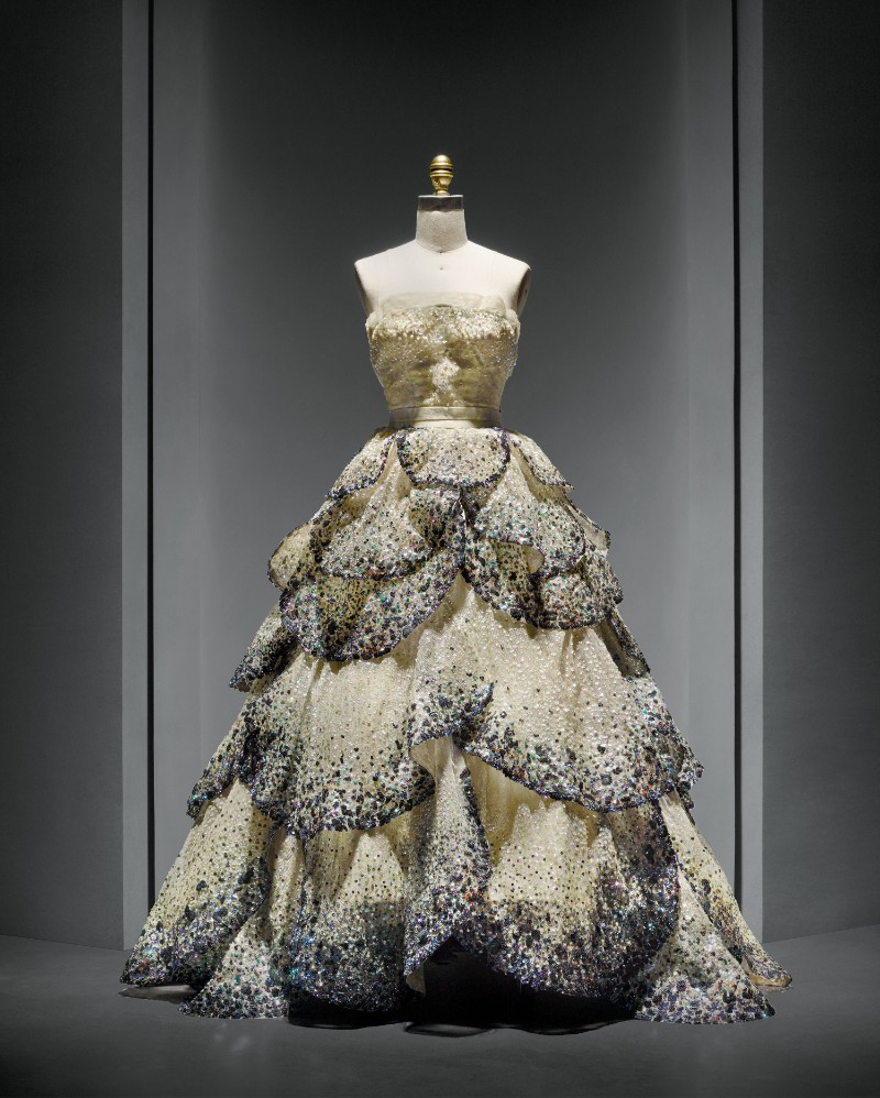 V&A Exhibition Highlights - Christian Dior, The Designer of Dreams Christian Dior V&A Exhibition Highlights – Christian Dior, The Designer of Dreams VA Exhibition Highlights Christian Dior The Designer of Dreams 10