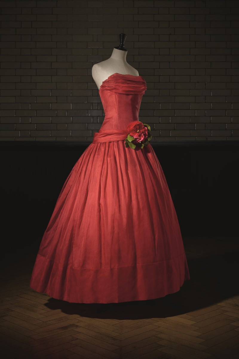 V&A Exhibition Highlights - Christian Dior, The Designer of Dreams Christian Dior V&A Exhibition Highlights – Christian Dior, The Designer of Dreams VA Exhibition Highlights Christian Dior The Designer of Dreams 9