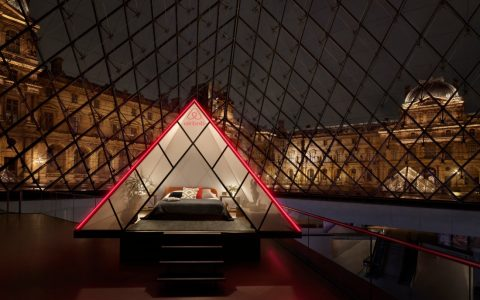 Luxury Experience – Spend a Night In The Louvre Museum (2) FT luxury experience Luxury Experience – Spend a Night In The Louvre Museum Luxury Experience     Spend a Night In The Louvre Museum 2 FT 480x300