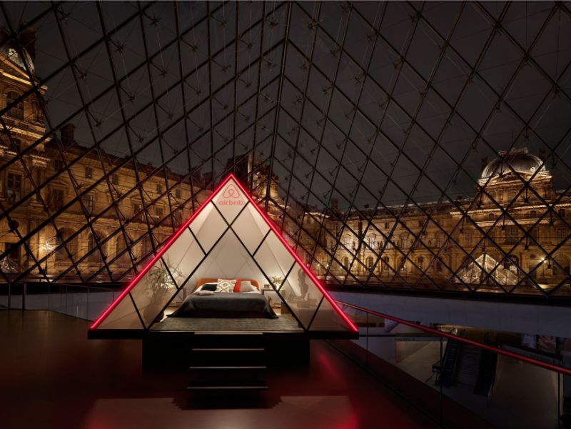 Luxury Experience – Spend a Night In The Louvre Museum (2) luxury experience Luxury Experience – Spend a Night In The Louvre Museum Luxury Experience     Spend a Night In The Louvre Museum 2
