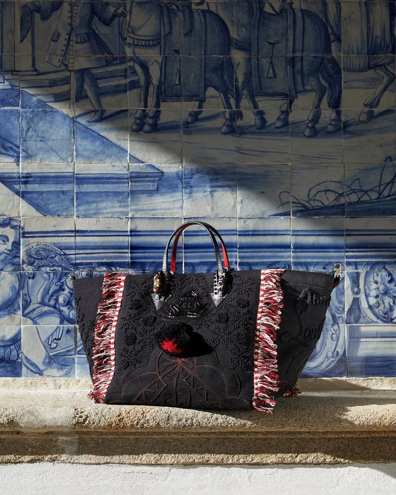 Louboutin Launches Portugaba – A New Bag Made in Portugal (10) louboutin Louboutin Launches Portugaba – A New Bag Made in Portugal Louboutin Launches Portugaba     A New Bag Made in Portugal 10