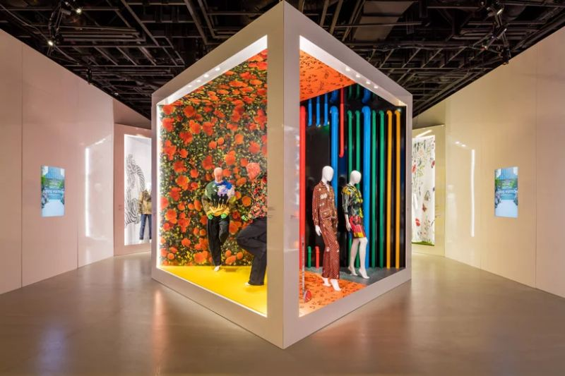 Louis Vuitton Debuts Vibrant Exhibition - Celebration of Its 160 Years louis vuitton Louis Vuitton Debuts Vibrant Exhibition – Celebration of Its 160 Years Louis Vuitton Debuts Vibrant Exhibition 3 12