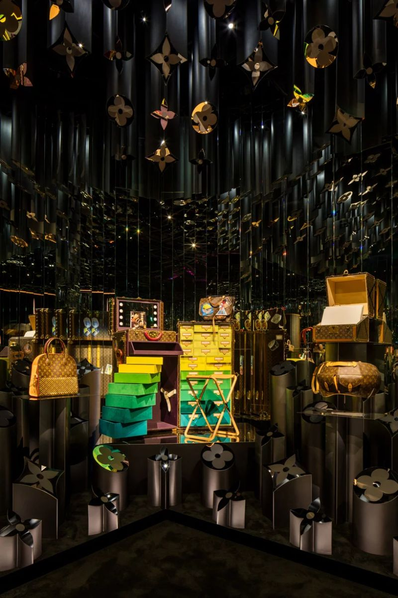 Louis Vuitton Debuts Vibrant Exhibition - Celebration of Its 160 Years louis vuitton Louis Vuitton Debuts Vibrant Exhibition – Celebration of Its 160 Years Louis Vuitton Debuts Vibrant Exhibition 6 2