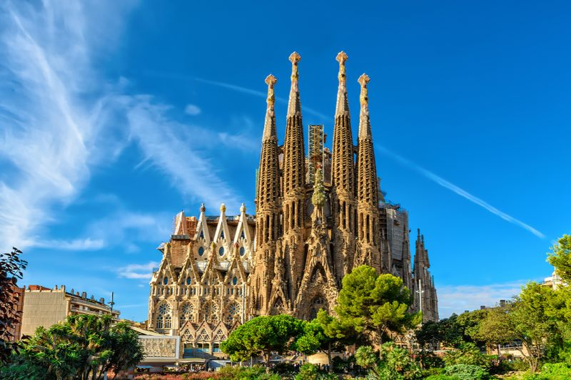 The Best Architects Of All Time And Their Iconic Creations iconic creation The Best Architects Of All Time And Their Iconic Creations antoni gaudicc81 sagrada familia 20150924 024