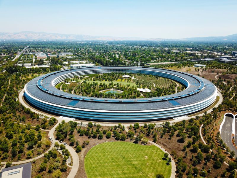 Here Are The Contemporary Buildings That Redefined Recent Architecture apple park contemporary building Here Are The Contemporary Buildings That Redefined Recent Architecture Here Are The Contemporary Buildings That Redefined Recent Architecture apple park